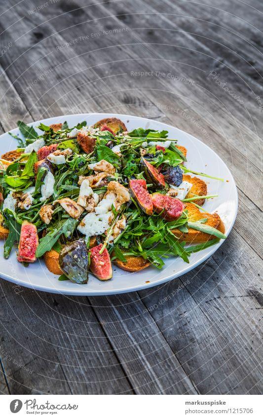 rucola salat mit feigen Gesunde Ernährung Leben Feste & Feiern Lifestyle Ernährung genießen Fitness Kräuter & Gewürze Wohlgefühl Bioprodukte Restaurant Bar Leichtigkeit exotisch Brot Teller