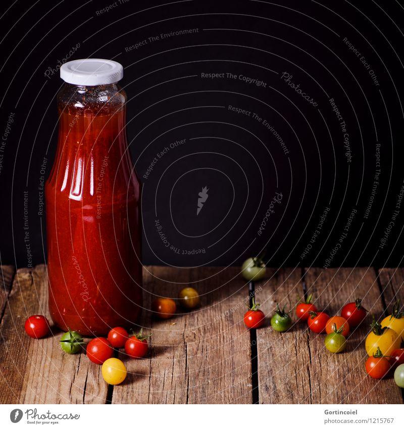 Eingekocht rot Gesunde Ernährung schwarz Gesundheit Foodfotografie Lebensmittel frisch Gemüse Bioprodukte Flasche Holztisch Vegetarische Ernährung Tomate