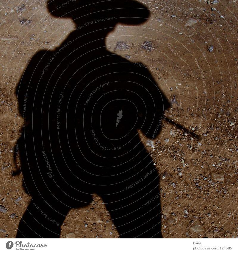 Schatten mit Hut wandern Bergsteiger Kieselsteine Physik heiß Wanderstock Stock Rucksack Mann Bergsteigen Berge u. Gebirge Klettern Silhouette Wege & Pfade