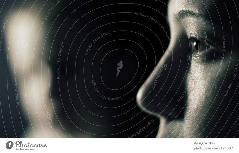 Ferne Nähe Frau Gesicht Ferne Auge Stil Familie & Verwandtschaft Zusammensein Hintergrundbild Haut Nase nah Partnerschaft vergangen Augenbraue beachten ignorieren