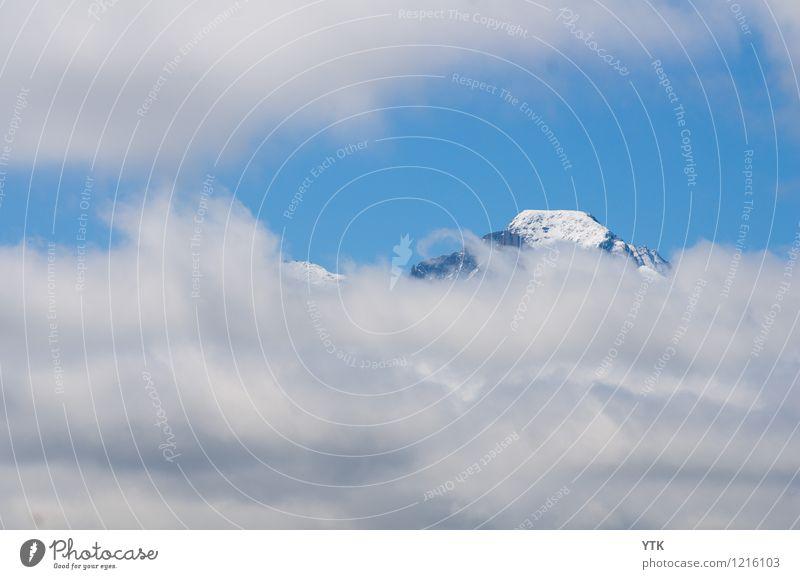 Cloud Window Umwelt Natur Urelemente Himmel Wolken Gewitterwolken Klima Klimawandel schlechtes Wetter Berge u. Gebirge Gipfel Schneebedeckte Gipfel bedrohlich