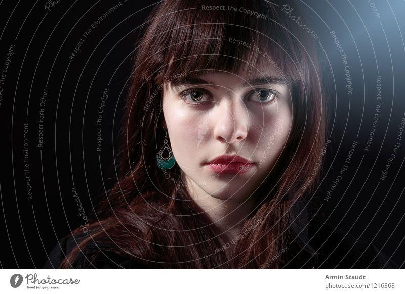 Letztens im Nebel III Mensch Frau Kind Jugendliche schön Junge Frau Winter kalt Erwachsene Auge feminin Stil Haare & Frisuren Lifestyle Mode Design