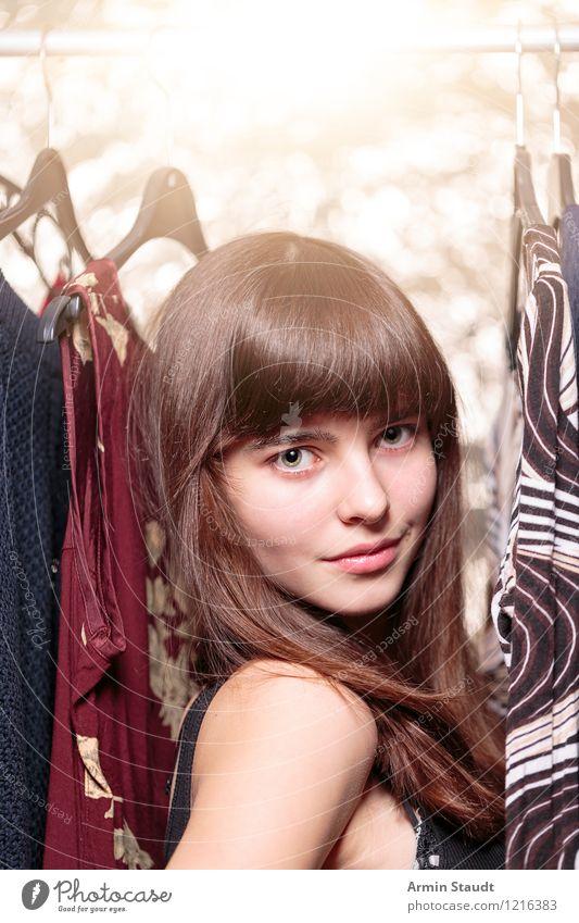 Neulich im Kleiderschrank XIV Mensch Frau Kind Jugendliche schön Junge Frau Gesicht Erwachsene Beleuchtung feminin Stil Glück Haare & Frisuren Lifestyle Mode