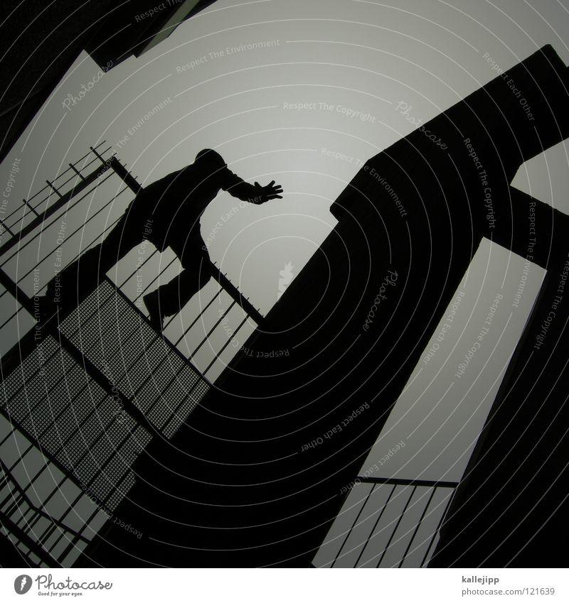 der letzte macht das licht aus Mann Silhouette Dieb Krimineller Ausbruch Flucht umfallen Fenster Parkhaus Geometrie Gegenlicht Jacke Mantel Mütze Thriller