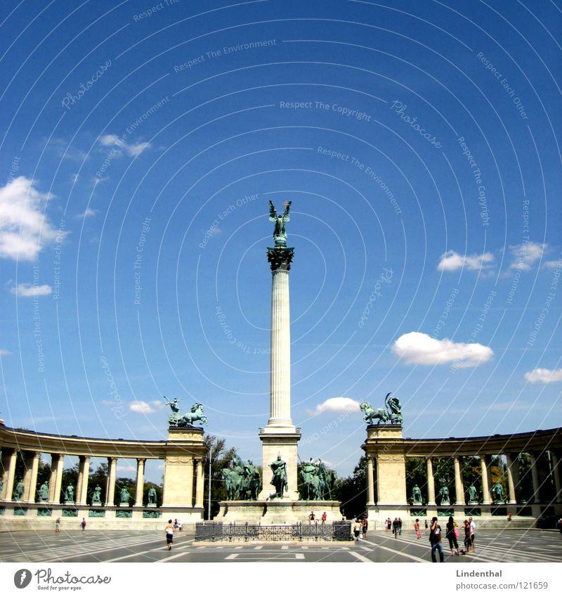 STATUE II Statue Himmel Budapest Platz Plaza historisch sky blue blau hungary Ungar place