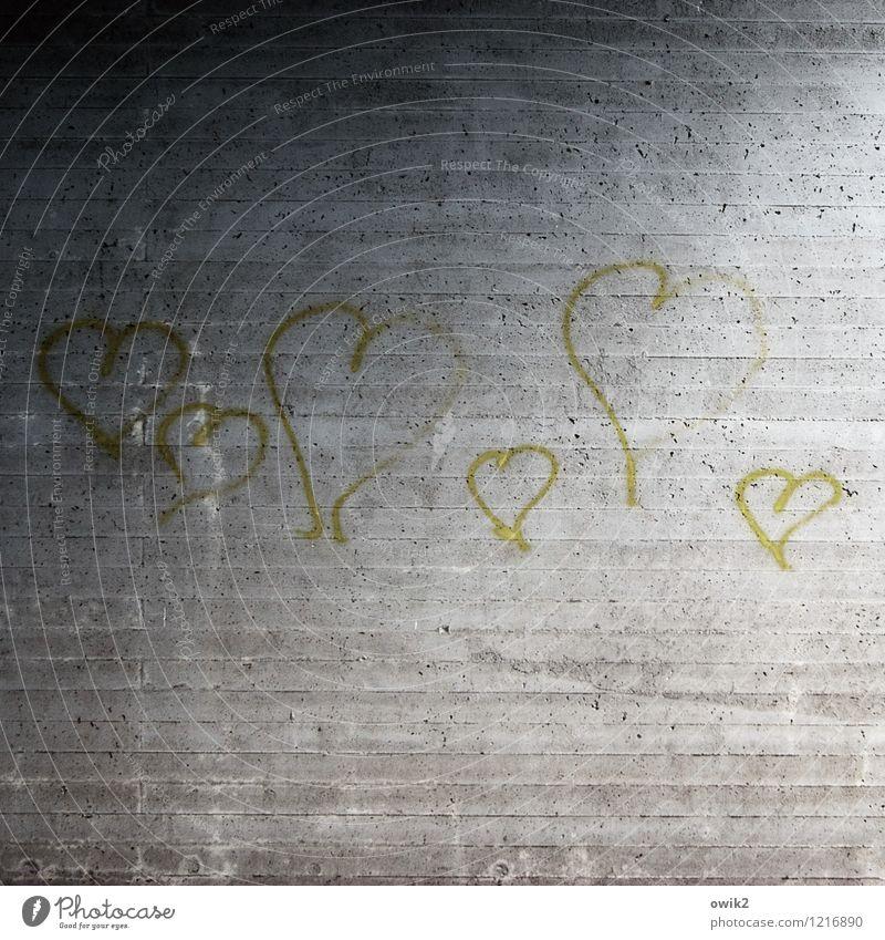 Liebesfilm Wand Farbstoff Graffiti Mauer Kunst Beton Herz einfach Zeichen Hoffnung viele Verliebtheit Kunstwerk rau Spray