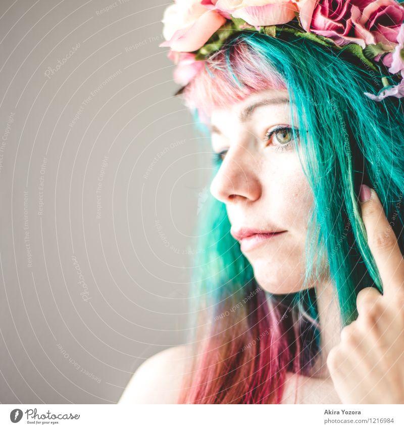 Spring is always Mensch Jugendliche grün Junge Frau 18-30 Jahre Gesicht Erwachsene Gefühle feminin Haare & Frisuren rosa träumen ästhetisch einzigartig Romantik
