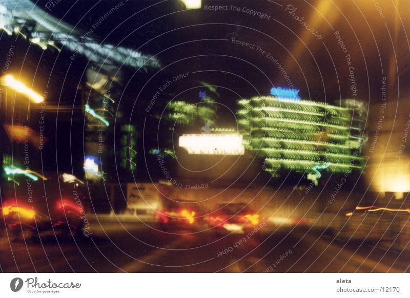 night moves Potsdamer Platz Sony Center Berlin Nacht Architektur PKW Licht Straße