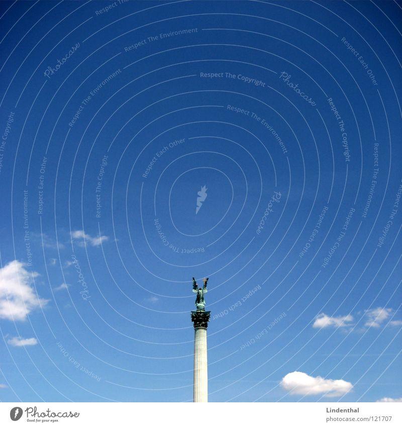 STATUE III Statue Himmel Budapest Platz Plaza historisch sky blue blau hungary Ungar place