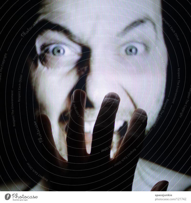 Touchscreen Hand Finger berühren Bildschirm Fernseher Ärger böse Aggression Freak Porträt Wut Rüpel unfair Biest herzlos Grobian Gesicht Freude Gefühle