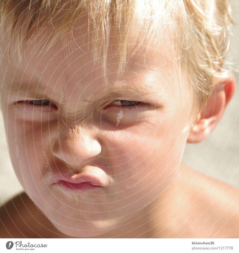 im Rampenlicht | der kleine Clown Mensch maskulin Kind Junge Kindheit Haut Kopf Haare & Frisuren Gesicht Auge Ohr Nase Mund Lippen 3-8 Jahre Spielen blond frech