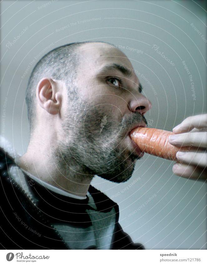 Junges Gemüse #3 | Rohkosttag Erwachsene Essen Gesundheit 18-30 Jahre Junger Mann einzeln Gesunde Ernährung Appetit & Hunger genießen Bioprodukte Möhre