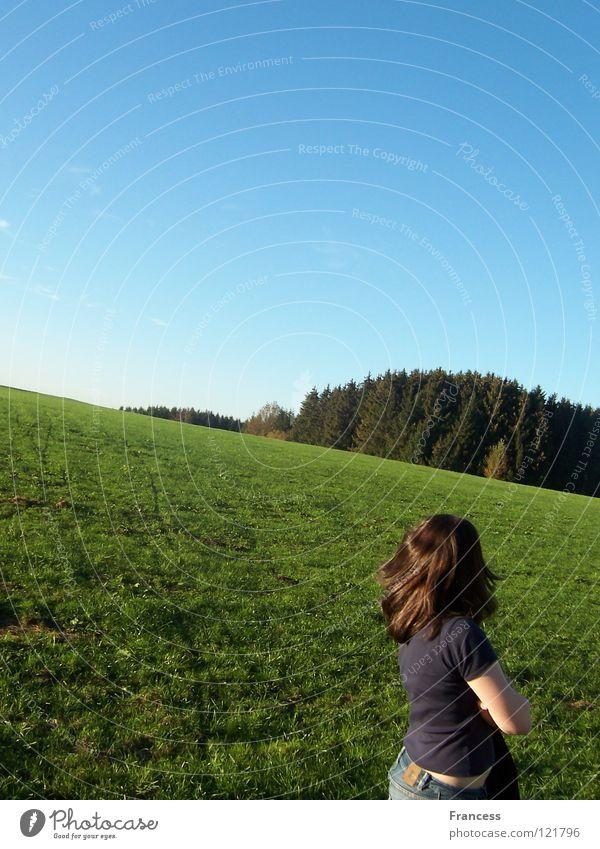 Renn weg,von den Sorgen Himmel grün blau Wolken Wiese Wut Ärger Digitalfotografie beleidigt