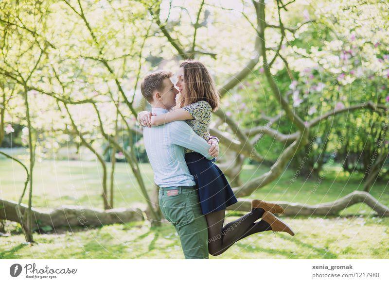 Liebe Lifestyle Leben harmonisch Wohlgefühl Freizeit & Hobby Spielen Ferien & Urlaub & Reisen Ausflug Freiheit Valentinstag Junge Frau Jugendliche Junger Mann