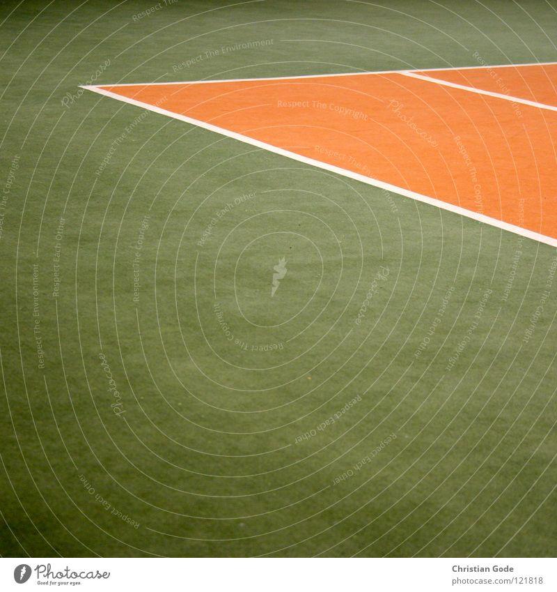 Tennishallensasion grün weiß Winter Sport Spielen springen Linie orange Geschwindigkeit Netz Lagerhalle Teppich Aufschlag Ballsport reserviert