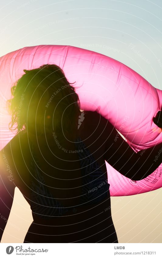 Pink Sundown II/III Mensch Frau Ferien & Urlaub & Reisen Jugendliche Sommer Junge Frau Freude Strand Erwachsene feminin Schwimmen & Baden rosa Freizeit & Hobby