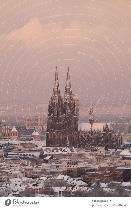 Kölner Domspitzen schneebedeckt Stadt Winter dunkel kalt Religion & Glaube Schneefall Kirche einzigartig historisch Trauer Skyline Denkmal Wahrzeichen
