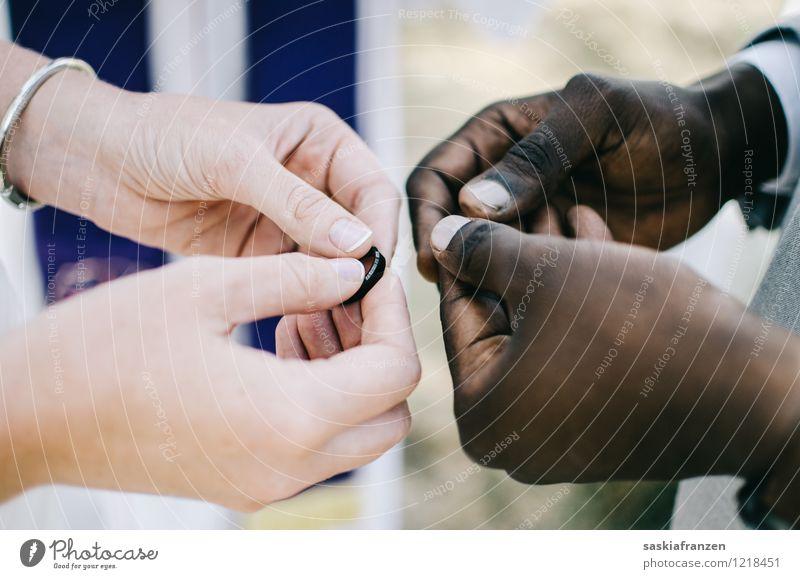 Hands. Lifestyle elegant Stil schön Feste & Feiern Hochzeit Mensch maskulin feminin Frau Erwachsene Mann Paar Partner Finger 2 18-30 Jahre Jugendliche