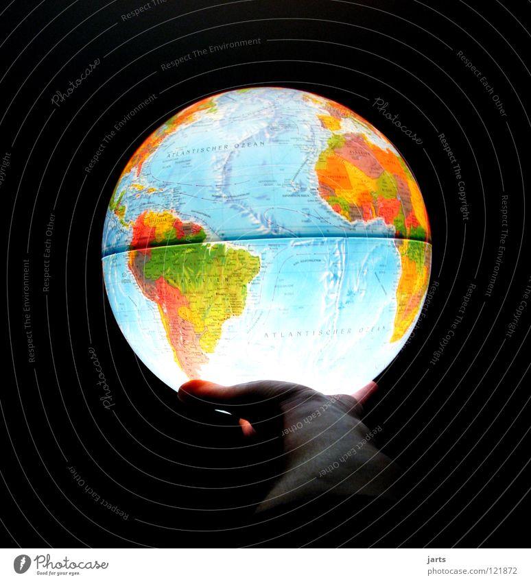 earth Hand Meer Umwelt Erde leuchten rund Weltall Symbole & Metaphern festhalten Frieden Afrika Umweltschutz Landkarte Amerika Globus