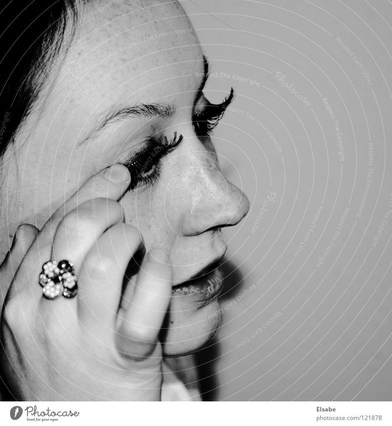 Augenaufschlag Frau weiß schön Blume schwarz Gesicht Auge feminin Haut Mund Nase Kreis Lippen Spiegel Schminke Momentaufnahme