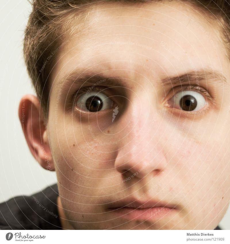 Hä? Mensch Mann Jugendliche Auge dunkel verrückt Wut Langeweile Ärger Überraschung durcheinander erstaunt beeindruckend unfreundlich aufreißen