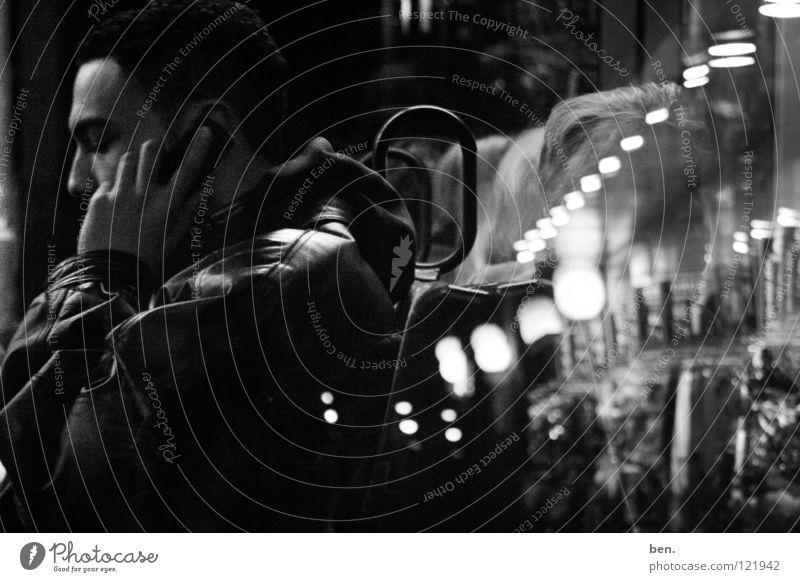 Pipeline Reflexion & Spiegelung Mensch Erdgaspipeline Phone Call Window Shot Mirror APP Kreis