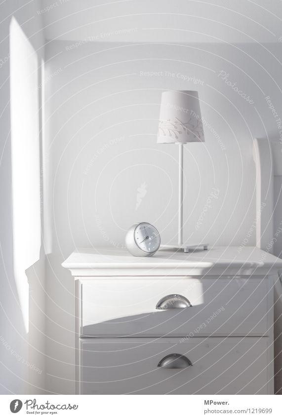 white home Uhr Technik & Technologie Coolness hell Wecker Lampe weiß Nachttisch Möbel Uhrenzeiger Morgenmuffel Schlafzimmer Tischlampe Lampenschirm rund