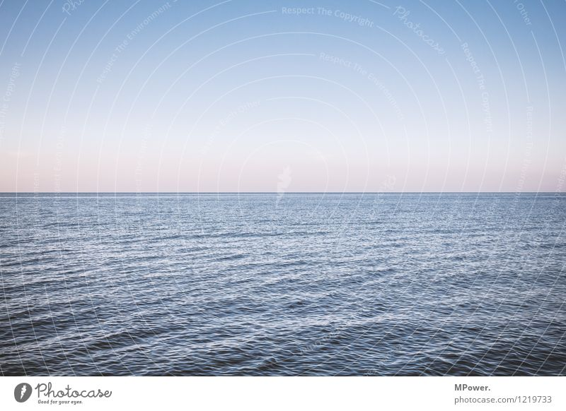 nichts mehr als meer Umwelt Landschaft Schönes Wetter maritim Meer Ostsee Wellen Wellengang Horizont Sonnenuntergang Linie See Himmel Wolkenloser Himmel Ferne