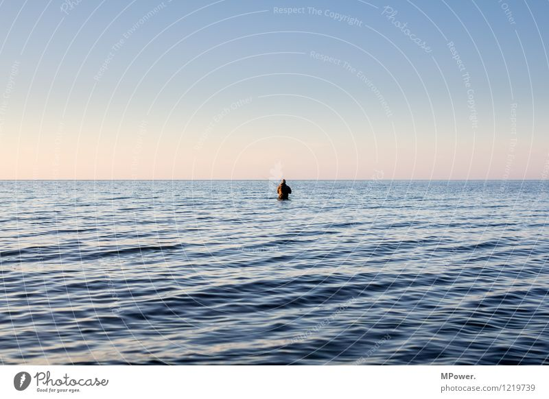 phishing for abendbrot Mensch Natur Ferien & Urlaub & Reisen Erholung Meer Einsamkeit Ferne klein Horizont Arbeit & Erwerbstätigkeit Freizeit & Hobby stehen einzeln nass Ostsee Bucht