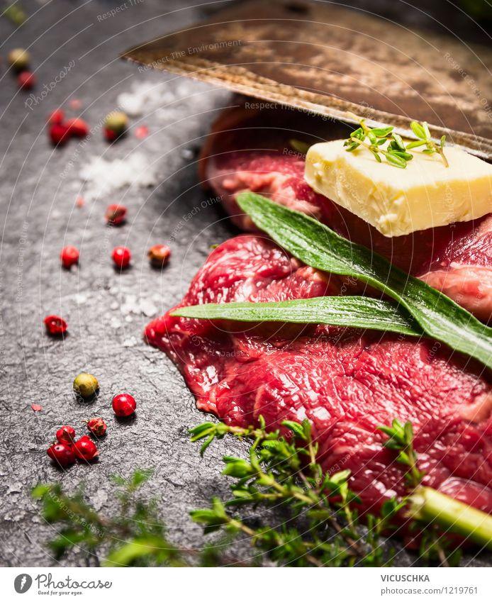 Bio Fleisch mit Kräutern, Butter und Gewürzen Gesunde Ernährung Leben Stil Hintergrundbild Lebensmittel Design Tisch Kochen & Garen & Backen retro