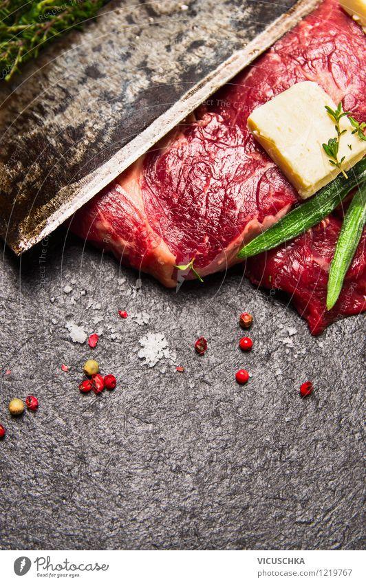 Rind Steak, Kräuter, butter und altes Messer Lebensmittel Fleisch Milcherzeugnisse Kräuter & Gewürze Ernährung Mittagessen Abendessen Bioprodukte Stil Design