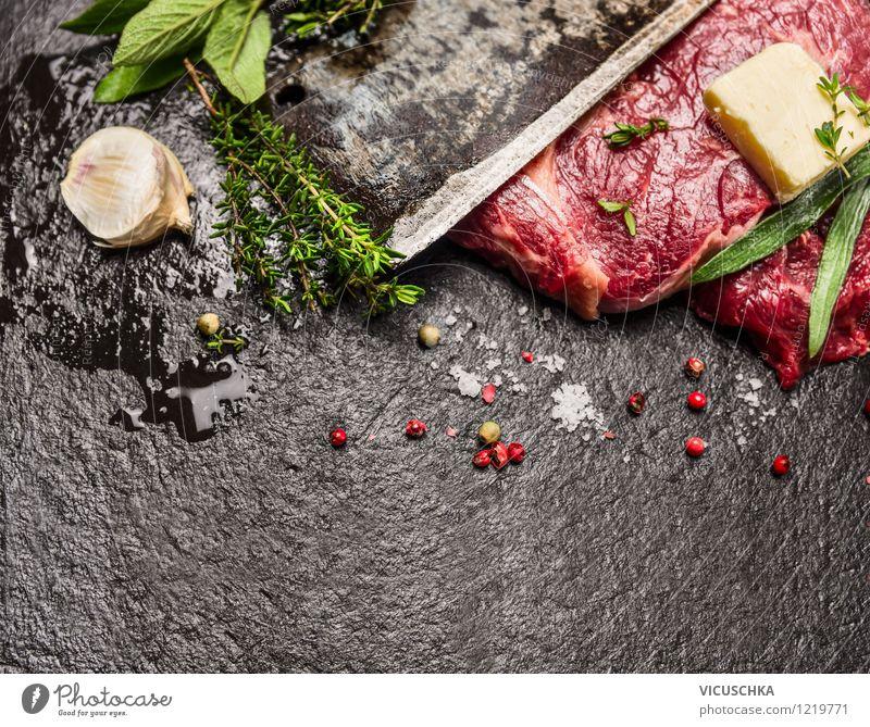 Fleisch mit Kräutern und Gewürzen zubereiten Gesunde Ernährung dunkel schwarz Leben Stil Hintergrundbild Lebensmittel Design Tisch Kochen & Garen & Backen