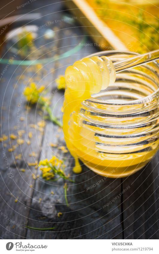Cremiger Rapshonig auf rustikalem Holztisch Natur blau Blatt Gesunde Ernährung gelb Leben Blüte Stil Essen Hintergrundbild Lebensmittel Design Glas Tisch