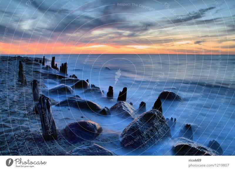 Küste Ferien & Urlaub & Reisen Strand Meer Natur Landschaft Wasser Wolken Sonnenaufgang Sonnenuntergang Ostsee Stein alt blau Romantik Idylle Ziel Buhne