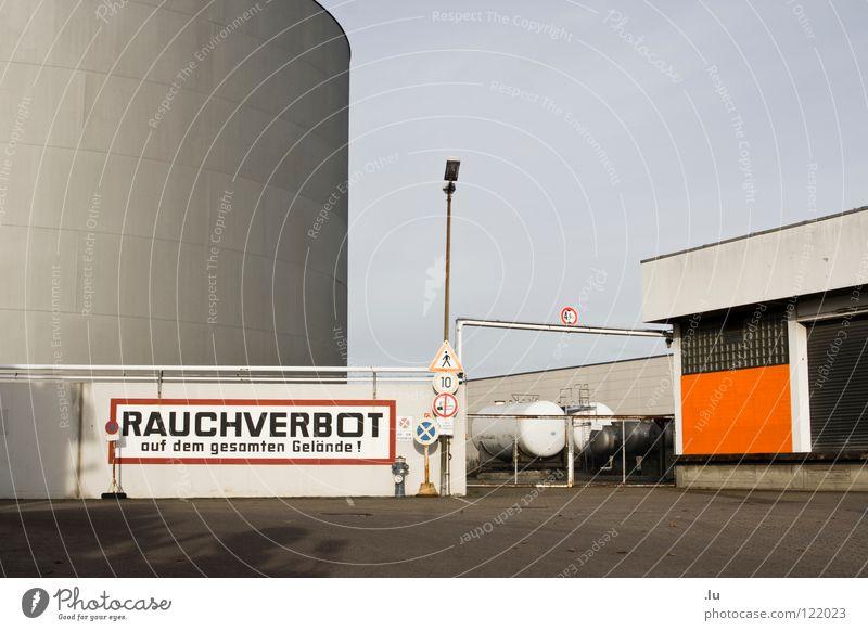 _ Rauchverbot Berlin Schilder & Markierungen Industrie gefährlich bedrohlich Rauchen Gas Warnhinweis Gesetze und Verordnungen Explosion Warnschild Nichtraucher