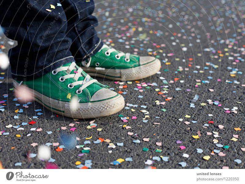AK# Grünschuh II Kunst ästhetisch Zufriedenheit Feste & Feiern mehrfarbig viele Konfetti Schuhe Turnschuh Jugendliche Freude Karneval Bildpunkt Farbfoto