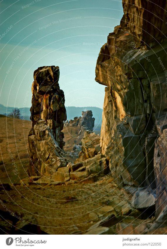 Teufelsmauer Sandstein Macht Sediment Quarz Kalk Kreidezeit Farbe Berge u. Gebirge Harz harzvorland weddersleben Felsen Stein Linie Reihe Natur Landschaft