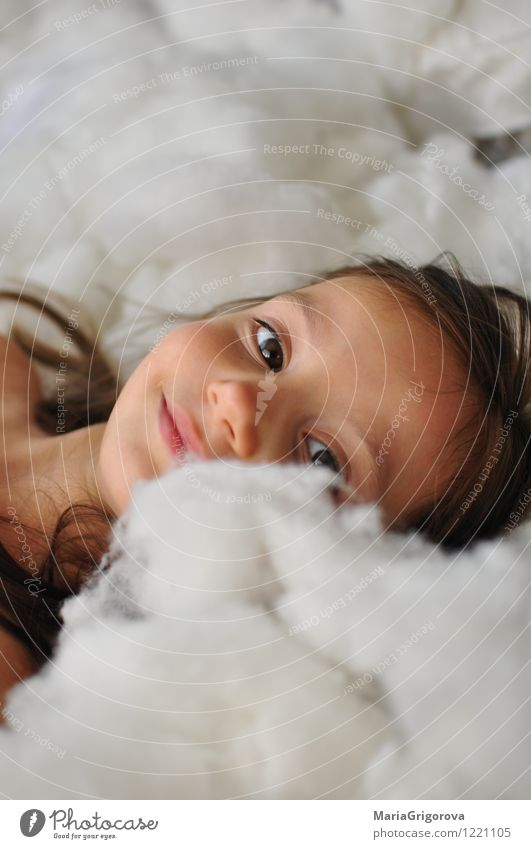Mensch Kind schön weiß Freude Mädchen Auge Liebe lustig Spielen Haare & Frisuren Freiheit Kopf Kunst Freundschaft träumen