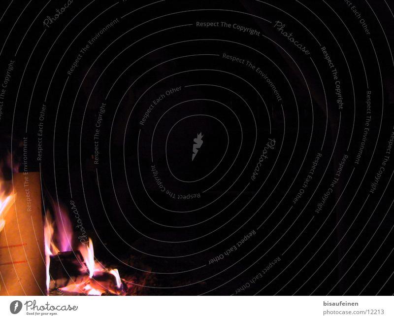 Ein leuchten... schwarz dunkel Holz Brand Feuerstelle Fototechnik