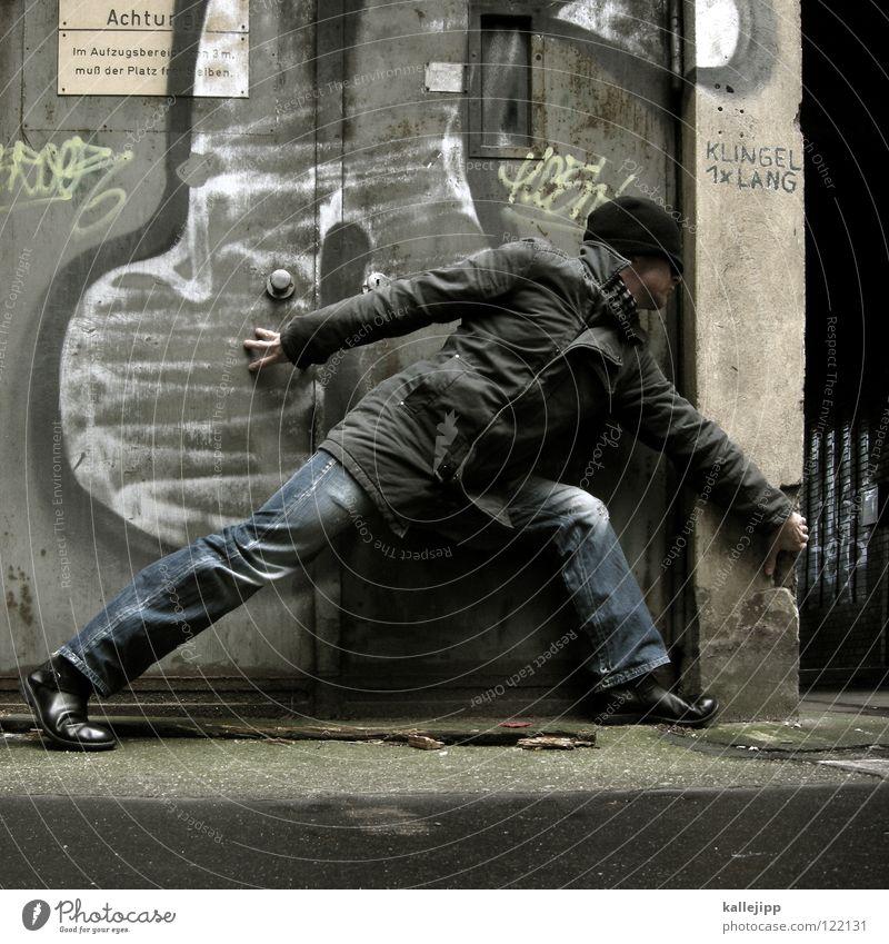 02 _ was geht? Mensch Mann Hand Stadt Freude Haus Wand Stil Beine Tür Schuhe Kraft Arme warten Elektrizität Ecke