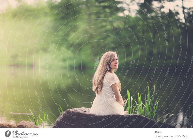 Gedanken. Mensch Kind Natur Jugendliche schön Sommer Wasser Junge Frau Baum Erholung Landschaft Tier 18-30 Jahre Erwachsene Umwelt Frühling