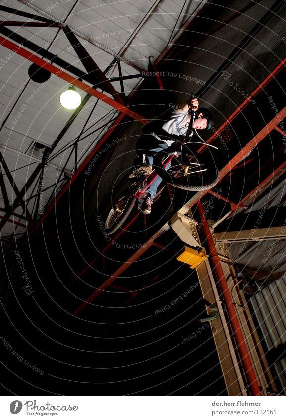 360 Sport Lampe springen Spielen Stahl Lagerhalle Neonlicht Abheben BMX Trick Träger Fahrrad