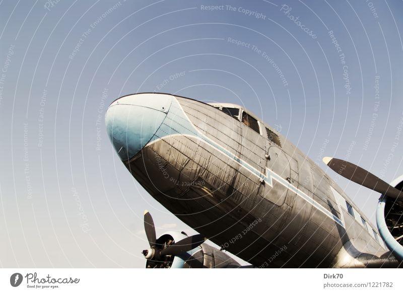 Air Nostalgia II Ferien & Urlaub & Reisen blau Ferne schwarz Freiheit Metall glänzend träumen Luftverkehr Technik & Technologie Schönes Wetter Flugzeug