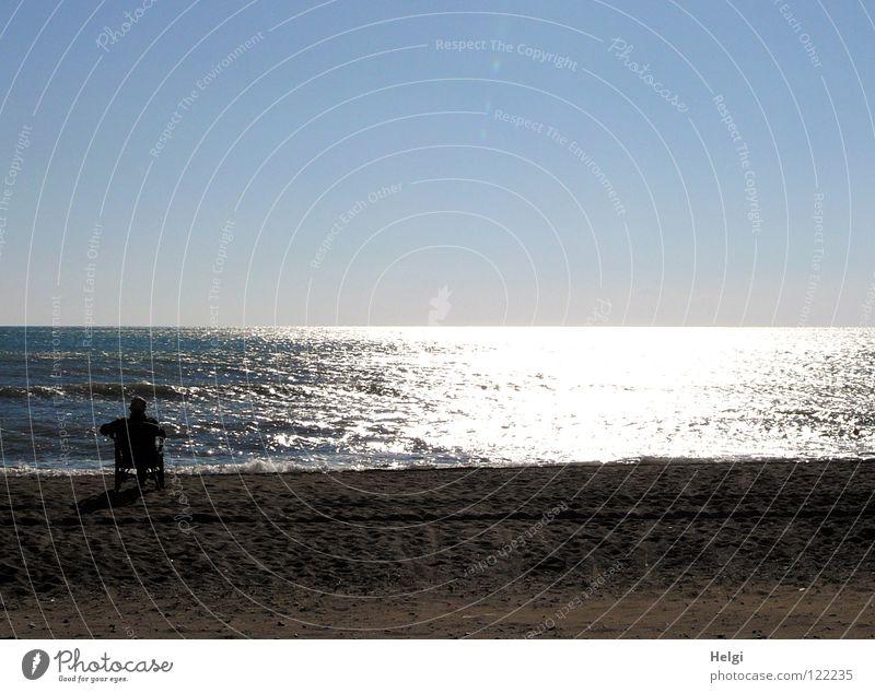 genießen... Mensch Himmel Wasser weiß blau Sonne Freude Strand Ferien & Urlaub & Reisen Meer ruhig Einsamkeit Erholung Sand Küste Beine