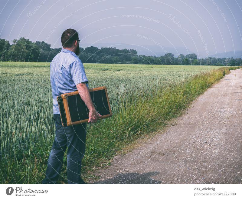 leaving home 4 maskulin Mann Erwachsene Körper 1 Mensch 30-45 Jahre Landschaft Himmel Sonne Sommer Schönes Wetter Baum Feld Wege & Pfade Hemd Jeanshose