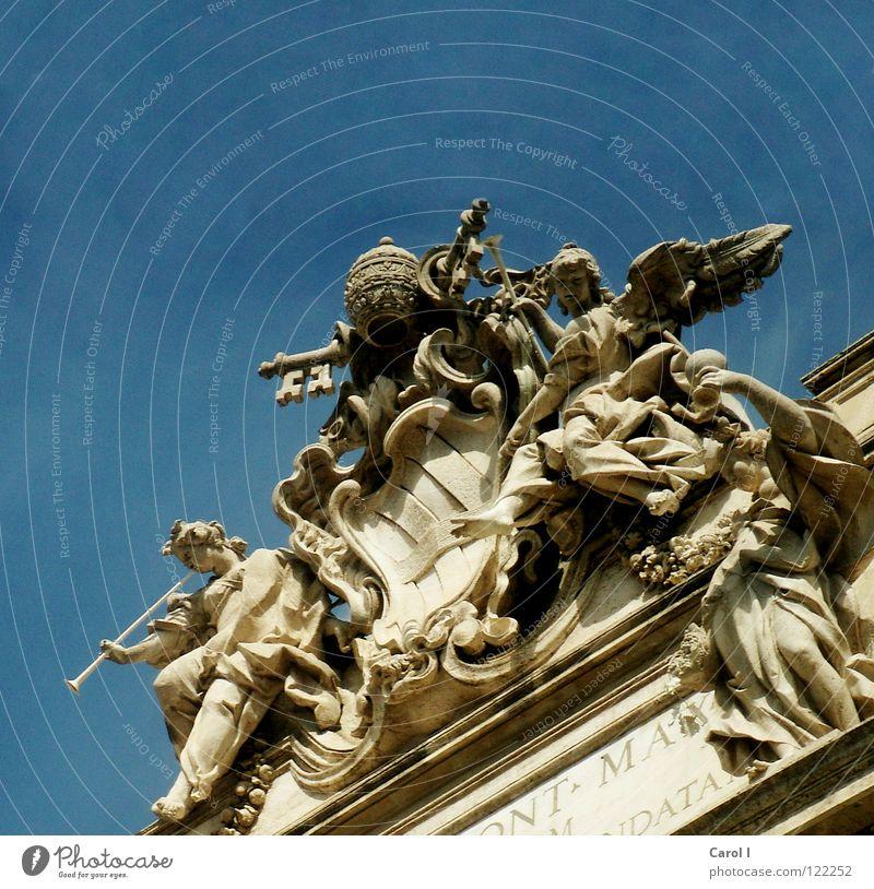 versteinert schön alt Himmel blau Ferien & Urlaub & Reisen gelb Stein Kunst Europa Engel Dach Flügel Brunnen Statue Denkmal Handwerk
