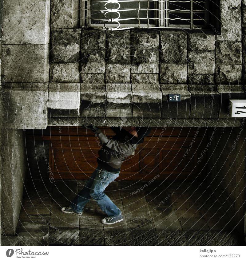 wenn der postmann 3x klingelt Mann Silhouette Dieb Krimineller Rampe Laderampe Fußgänger Schacht Tunnel Untergrund Ausbruch Flucht umfallen Eingang Hauseingang