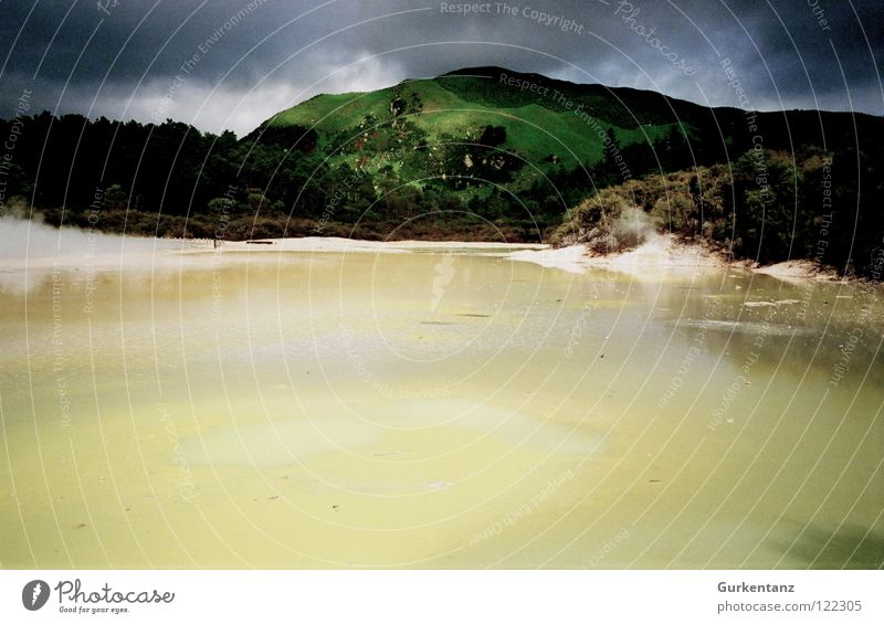 Saurons Pissbecken Rotorua Neuseeland Schwefel gelb grün Mineralien heiß See Wetter Stein Wasser geo-thermal Teile u. Stücke Farbe Kontrast Becken