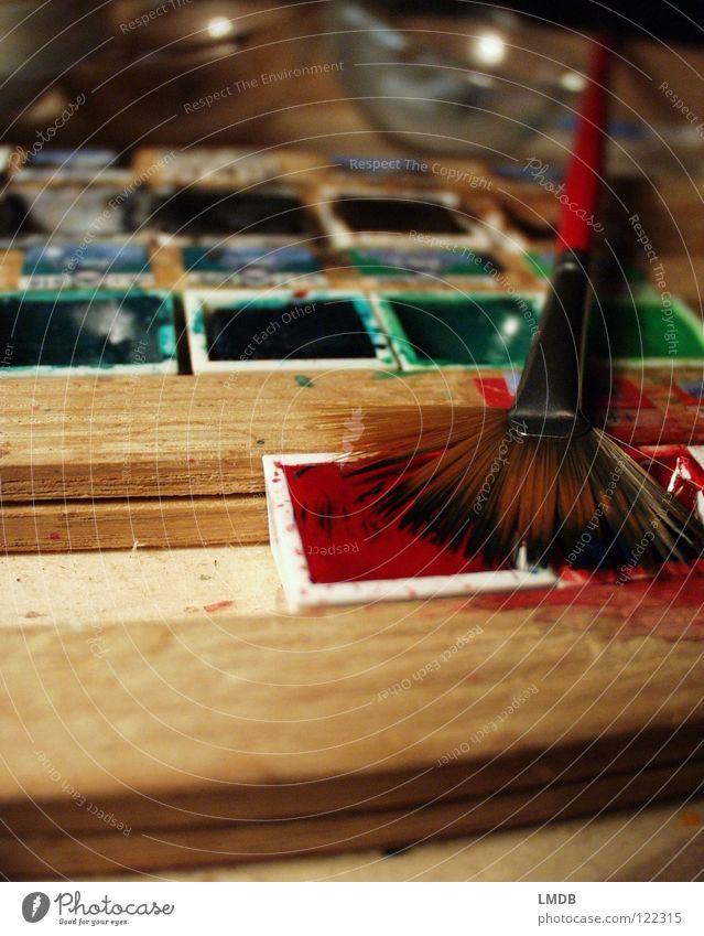 Mal wieder den Malkasten aus dem Kasten holen... Wasser grün blau rot Farbe Holz braun Kunst Glas Kultur Bild streichen zeichnen Gemälde Schalen & Schüsseln Pinsel