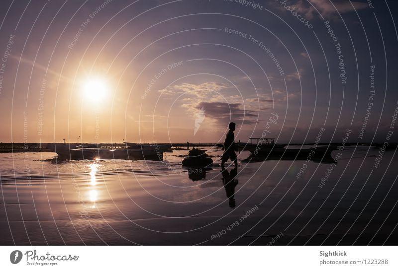 on the way home Mensch maskulin Mann Erwachsene 1 Natur Landschaft Wasser Sonnenaufgang Sonnenuntergang Sommer Schönes Wetter Küste Strand Meer Indischer Ozean